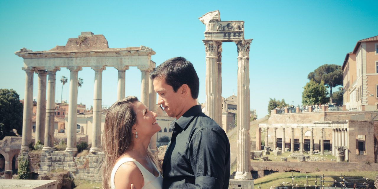 Romantic Honeymoon Photos in Rome