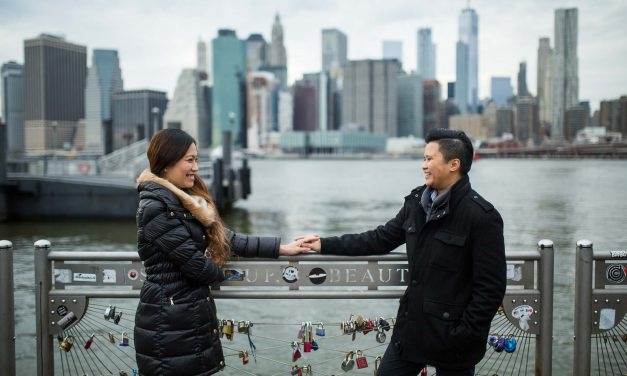 A Super Sweet Proposal In Front of the Brooklyn Bridge